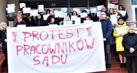 Płońsk przyłączył się do protestu - chcą godziwych wynagrodzeń