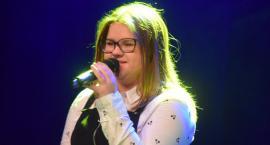 Ostatki z piosenką - śpiewają lokalne talenty - Kamila Juchow