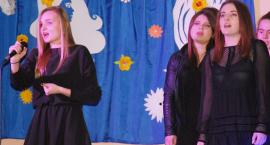 Ostatki z piosenką - śpiewają lokalne talenty - Weronika Drozdowska