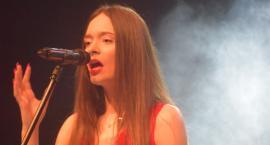 Ostatki z piosenką - śpiewają lokalne talenty - Karolina Kozarzewska