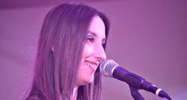 Koncert w Nowym Mieście - śpiewa Gabrysia Majtczak