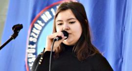 Piosenka obcojęzyczna - śpiewa Wiktoria Romanowska