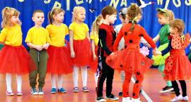 Wiosenna sobota z przedszkolakami - na scenie dzieci z SP SMARDZEWO