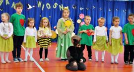 Wiosenna sobota z przedszkolakami - na scenie dzieci z SP KOŁOZĄB