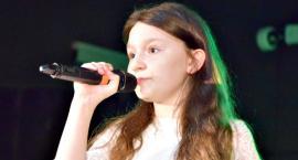 Piosenka jest dobra na wszystko - na scenie Julia Szeluga