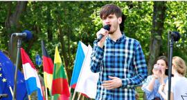 """Młodzież piknikowo na Rutkach - Filip Czaicki """"Zbudujemy dom"""""""