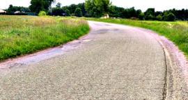 Dadzą powiatowi na remont drogi Szymaki - Jarocin