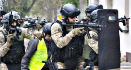 Bomba, zakładnik i akcja antyterrorystów w naruszewskim urzędzie - na szczęście to tylko ćwiczenia