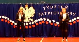 """Koncertujemy niepodległościowo - Zofia Mączyńska, Maja Kruszewska i """"Głodni niepodległości"""""""