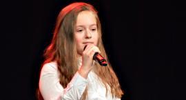 """Koncertujemy niepodległościowo - Maja Fronczak i """"Ej, wy wierzby"""""""