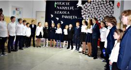 """Koncertujemy niepodległościowo - uczniowie NSP w Nowym Radzikowie i """"Żeby Polska była Polską"""""""
