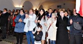 """Koncertujemy niepodległościowo - śpiewowisko w czerwińskiej bazylice """"Pierwsza kadrowa"""""""