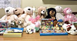 Podarunki dla pacjentów z oddziału dziecięcego - podziękowania od szpitala dla Mikołajów z Chociszewa
