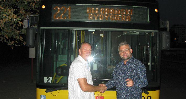komunikacja, autobus - zdjęcie, fotografia
