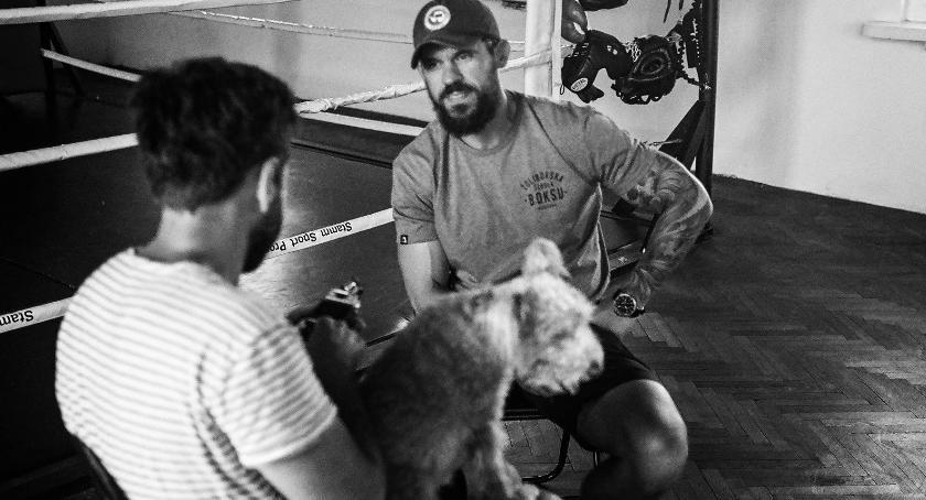 wywiady, Krótko boksie Trenerem Założycielem Żoliborskiej Szkoły Boksu Jackiem Dymowskim - zdjęcie, fotografia