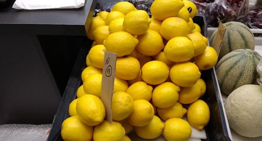 handel i usługi , Ciekawe zastosowanie cytryny - zdjęcie, fotografia