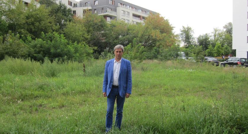 wywiady, Witold Sielewicz idzie sądu - zdjęcie, fotografia