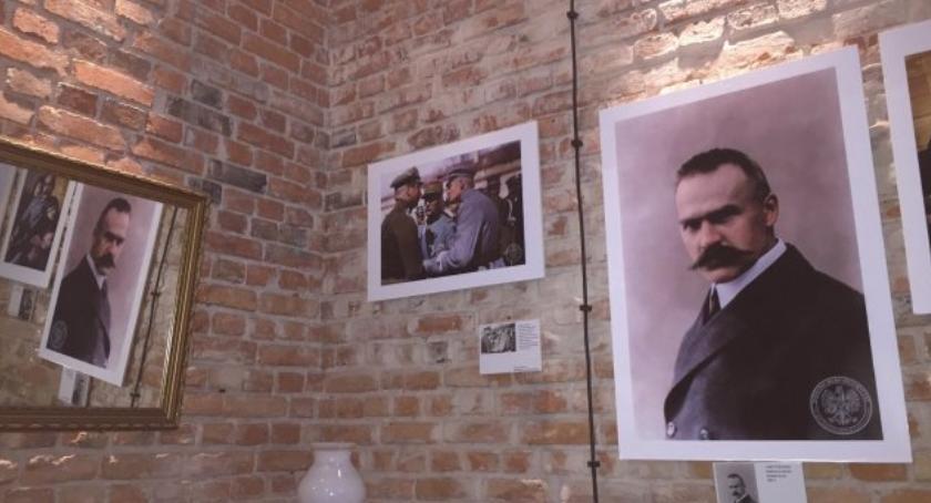 wystawy, Józef Piłsudski kolorze Dzisiaj ostatni dzień wystawy - zdjęcie, fotografia