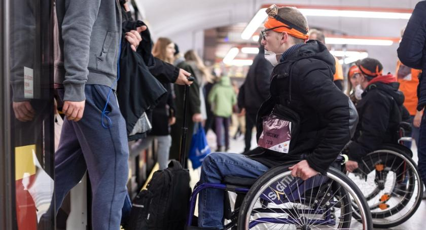komunikacja, Projekt Podziemie czyli osoby niepełnosprawnością ruszają miastu ratunek - zdjęcie, fotografia