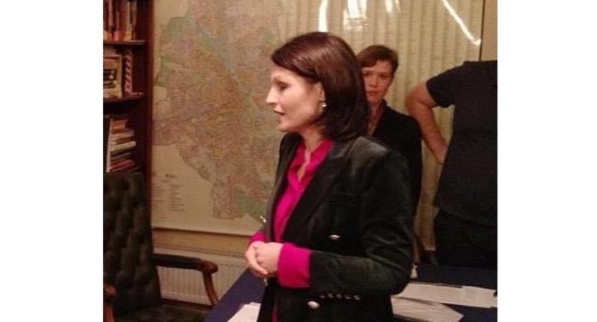 polityka, Dlaczego Renata Kozłowska zostać burmistrzem - zdjęcie, fotografia