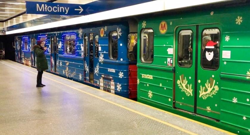 komunikacja, Rusza świąteczne metro - zdjęcie, fotografia