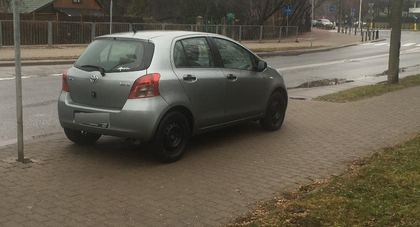 komunikacja, Miasto sprzedać samochód - zdjęcie, fotografia