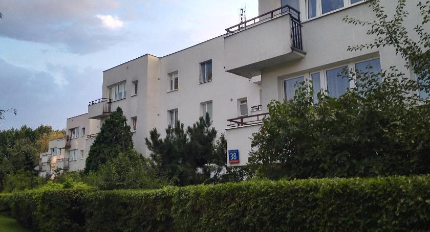 mieszkalnictwo, Stosunki sąsiedzkie wieku Zatrasiu - zdjęcie, fotografia