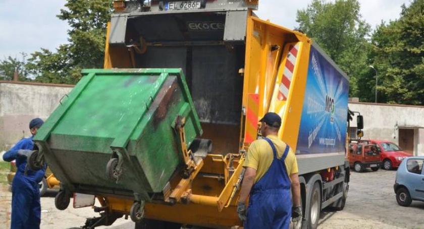 gospodarka odpadami, Dlaczego wywóz śmieci radykalnie zdrożeć - zdjęcie, fotografia