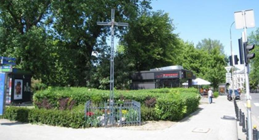 pomniki i ekspozycje, Krzyz Tramwajarzy ochrona konserwatorską - zdjęcie, fotografia