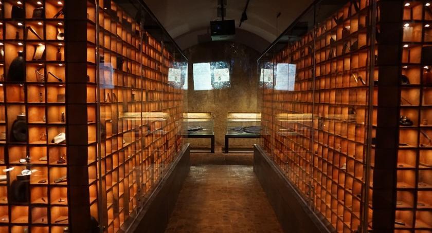 rekreacja, Muzeum Katyńskie Cytadeli zapraszamy wycieczkę - zdjęcie, fotografia