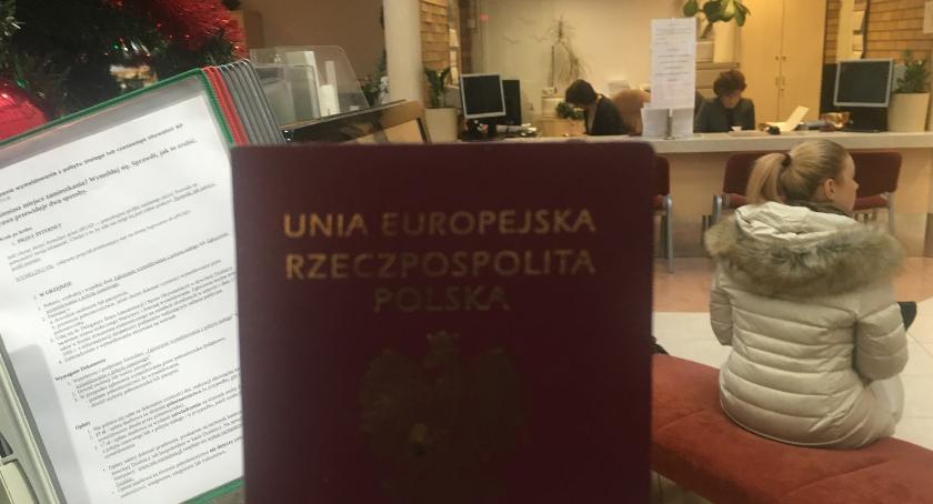 samorząd, Zgubiłeś paszport przyjdź urzędu Żoliborz - zdjęcie, fotografia
