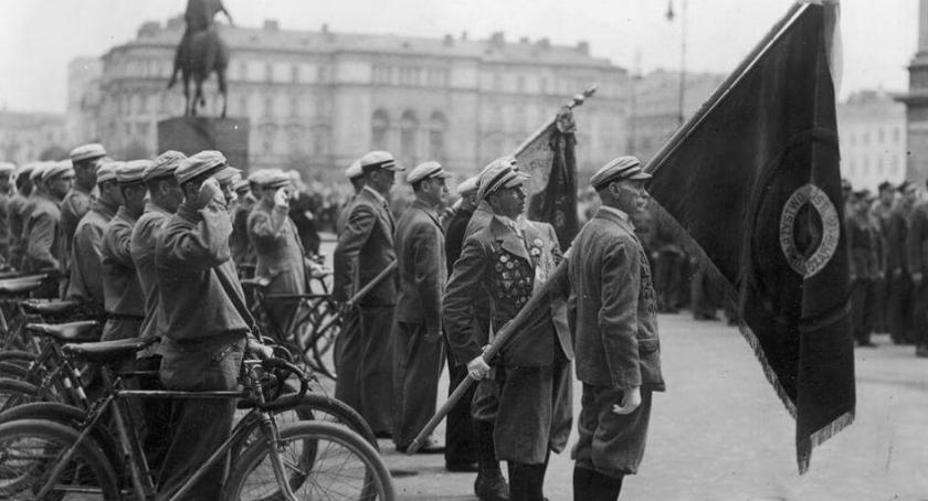 historia, zawsze dwóch kółek czyli cykliści dawnej Warszawie - zdjęcie, fotografia