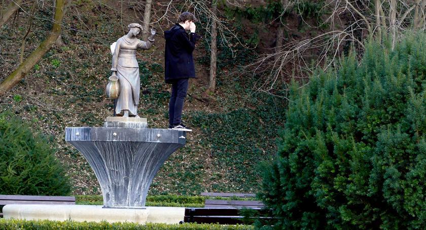 place i podwórka, Wiosna Parku Żeromskiego - zdjęcie, fotografia