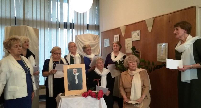 wspomnienie, Wieczór wspomnień księdzu Romanie Indrzejczyku - zdjęcie, fotografia