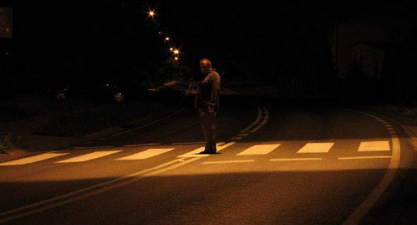 ulice, Będzie jaśniej przejściach - zdjęcie, fotografia