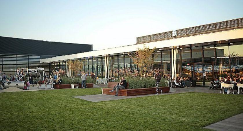 urządzenia publiczne, Tajemniczy ogród zaprasza - zdjęcie, fotografia