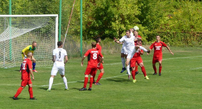 piłka nożna, Weszło razem osiem - zdjęcie, fotografia