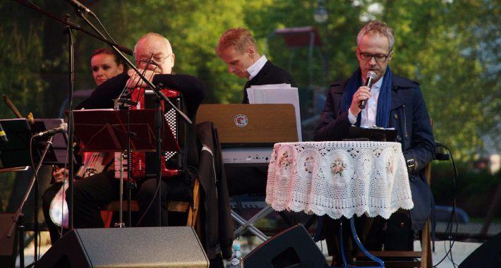 imprezy plenerowe, Koncert pamięci rotmistrza Witolda Pileckiego - zdjęcie, fotografia