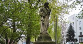 Figura Św. Józefa czeka na renowację