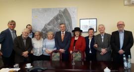 Społeczny Komitet buduje pomnik Wilsona