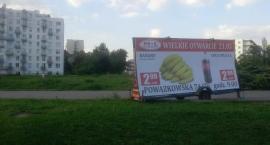 kolejna nielegalna reklama na Żoliborzu.