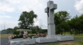 Prezydent Ukrainy złożył kwiaty pod Pomnikiem Rzezi Wołyńskiej na Żoliborzu