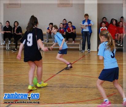 piłka nożna futsal, Mistrzostwa powiatu zambrowskiego halowej piłce nożnej gimnazjów - zdjęcie, fotografia