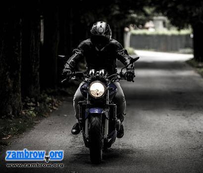policja, Sezon motocyklowy rozpoczęty - zdjęcie, fotografia