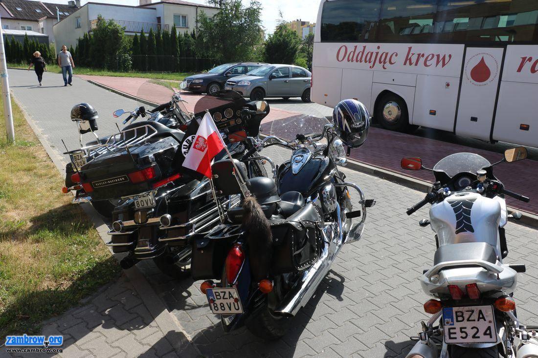 społeczeństwo, Mieszkańcy Zambrowa oddali ramach ogólnopolskiej akcji [foto] - zdjęcie, fotografia