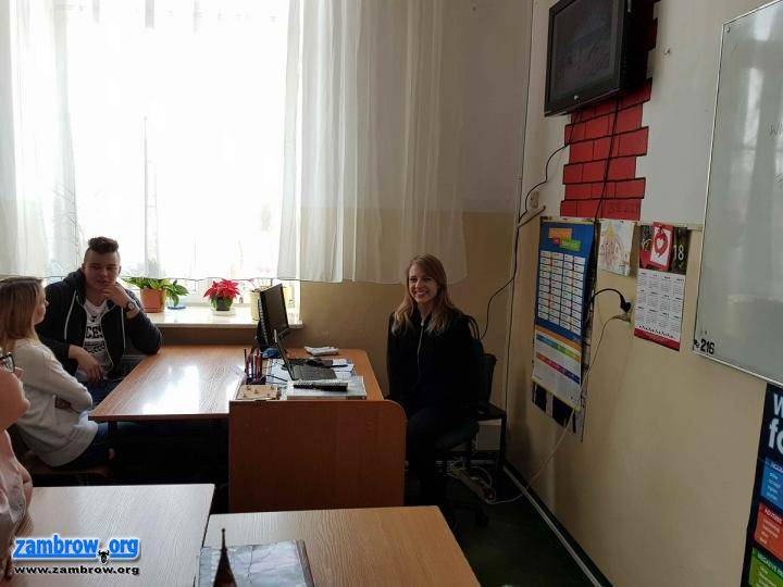 edukacja, Uczniowie spotkali podróżniczką - zdjęcie, fotografia