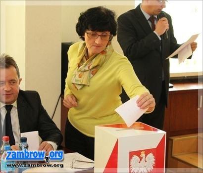 interpelacje radnych, Radna Chętnik wyjaśnia swoje długie milczenie - zdjęcie, fotografia