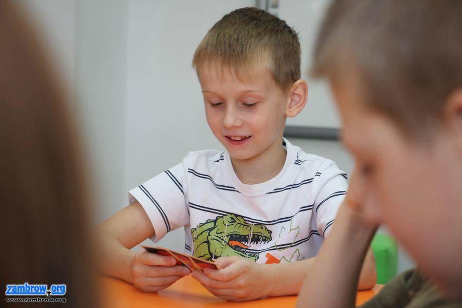 edukacja, Poprzez zabawę uczą języka angielskiego [foto] - zdjęcie, fotografia