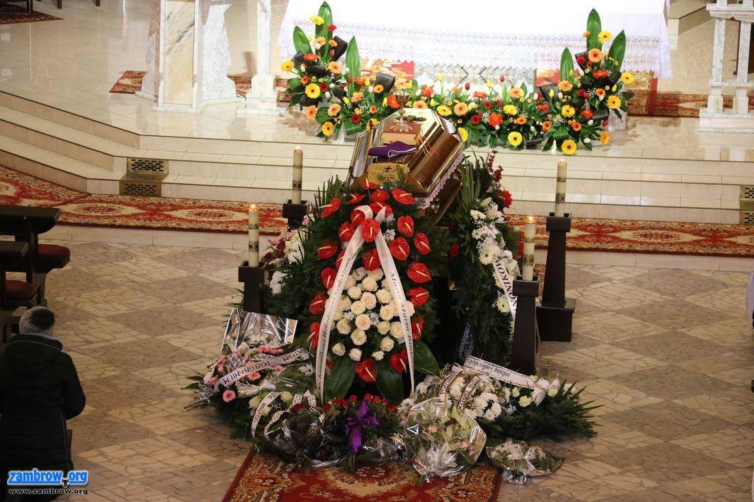 religia, Ostatnia droga byłego proboszcza budowniczego parafii Ducha Świętego Zambrowie Heliodora - zdjęcie, fotografia