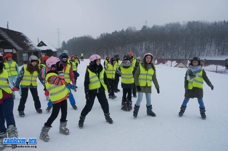 rekreacja wypoczynek, Walentynki spędzili nartach - zdjęcie, fotografia